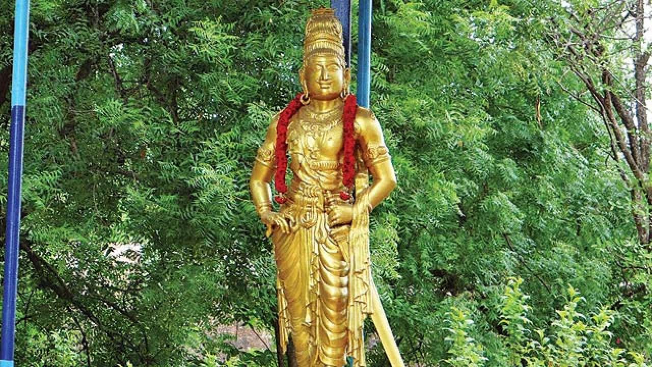 raja rajacholan statue