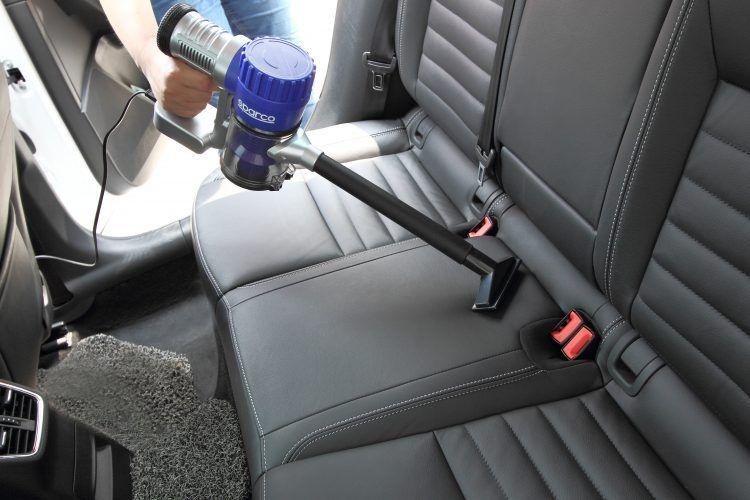 clean inner parts car compressor