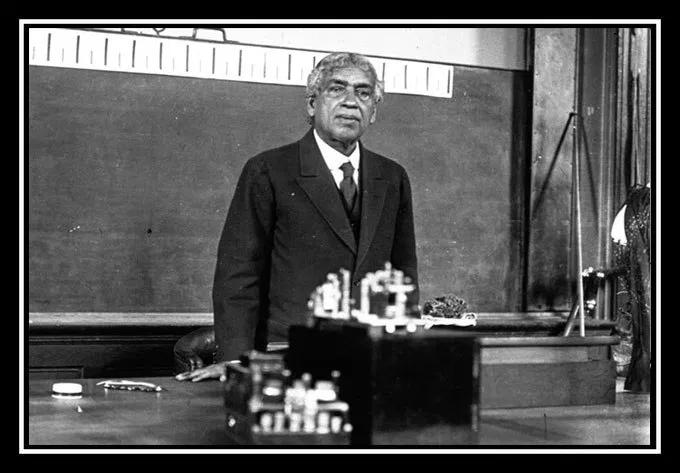 Jagadish Chandra Bose lecturing in paris