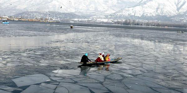 dal-lake-freeze