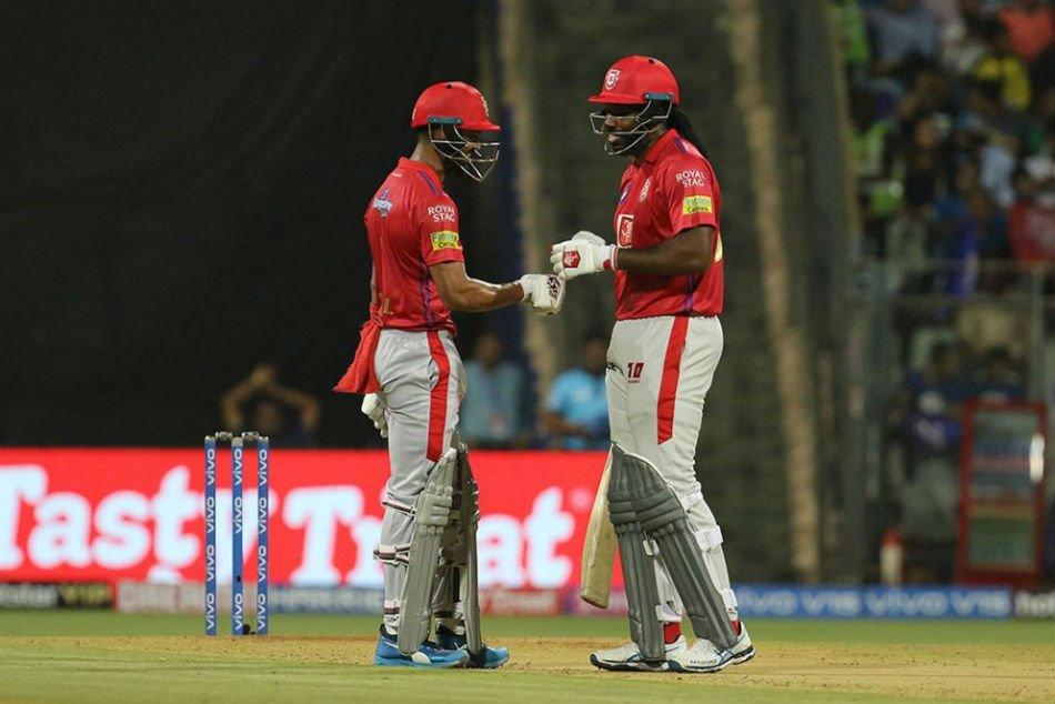 kl-rahul-chris-gayle-batting-