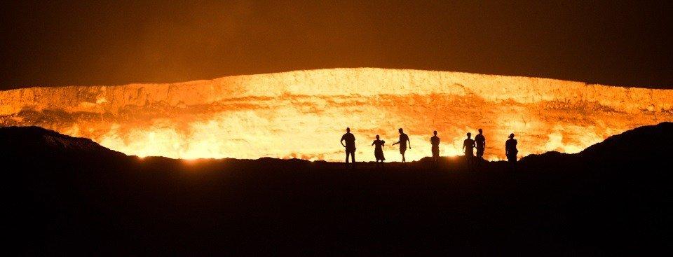 turkmenistan-door-gate-of-to-hell-karakum-desert-gas-crater